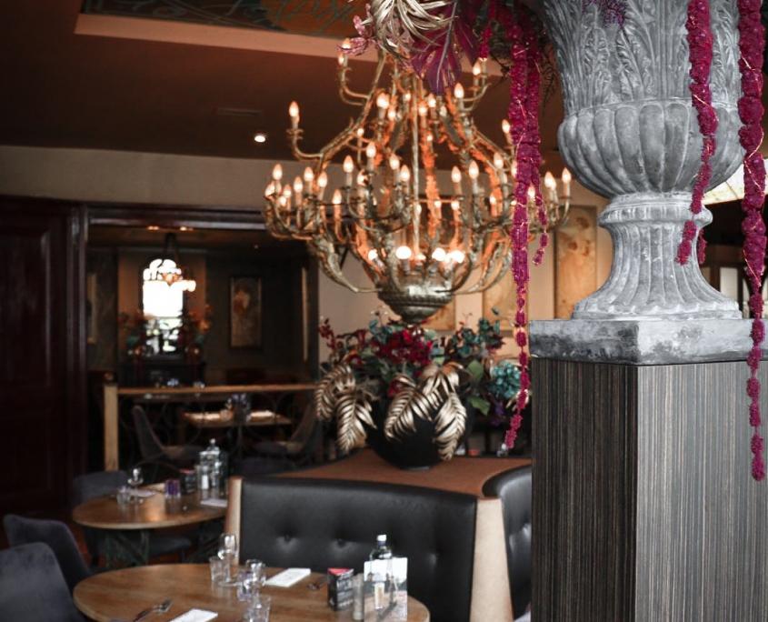 Restaurant Mucha binnnen bij de bar